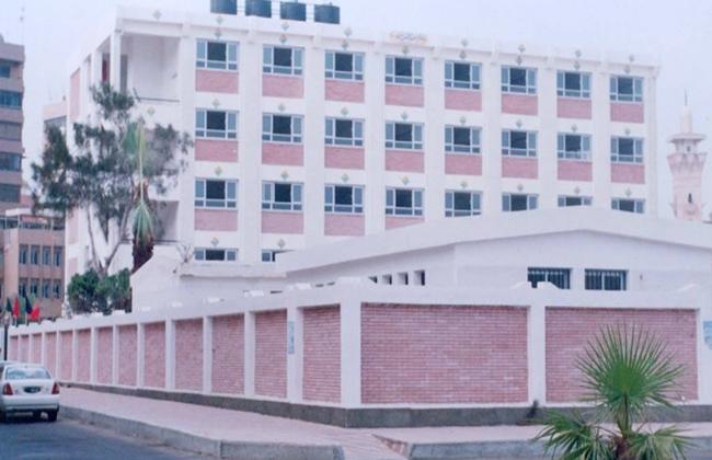 رئيس مدينة سمالوط بالمنيا يتابع حالة المدارس استعدادًا للعام الجديد -