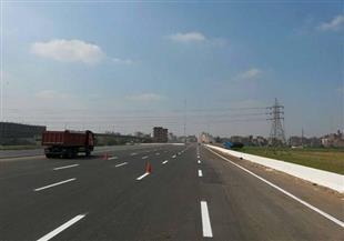 أحمـد البري يكتب: حارات للشاحنات في الطرق الجديدة