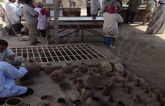 ننشر أول صور للقطع المكتشفة بالمقبرة الأثرية في الأقصر