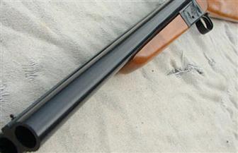 إصابة فلاح بطلق خرطوش أثناء قيامه بتنظيف سلاح ناري