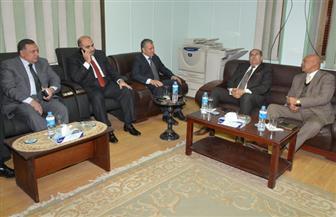 رئيس محكمة سوهاج يستقبل المحافظ والقيادات الأمنية بمكتبه| صور