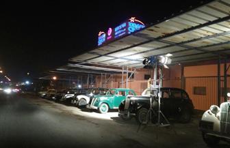 السيارات القديمة تزين الساحة الخارجية لمدينة الإنتاج الإعلامي في احتفالياتها