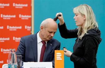 المكياج يطغى على برامج مرشحى الرئاسة فى التشيك| صور