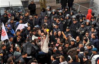 """وسط حديث عن نيات الإطاحة بحكومة """"الشاهد"""".. أحزاب """"قرطاج"""" تجتمع اليوم لبحث مطالب المحتجين"""
