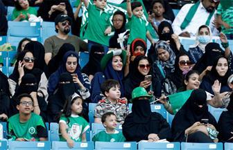 """السعوديات يدخلن استادات كرة القدم لأول مرة.. و""""فيفا"""" يقدم لهن التهنئة"""