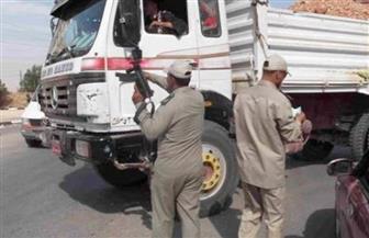 سيارة نقل تقتل طفلاً أثناء عبوره الطريق بالفيوم