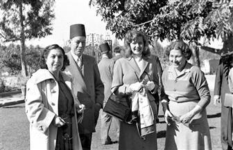 """ننفرد بنشر صور النجمة الأمريكية """"ريتا هيوارث"""" في القاهرة من عام 1950"""