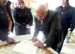 محافظ بورسعيد يتفقد امتحانات الشهادة الإعدادية