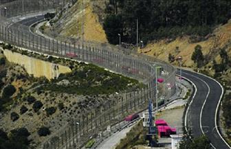 الجزائر تقيم سياجا على حدودها مع المغرب