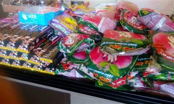 ضبط منتجات وسلع غذائية مجهولة المصدر في حملة على أسواق الإسكندرية