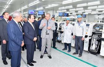 الرئيس السيسي يتفقد أحد المصانع الكبرى في بني سويف