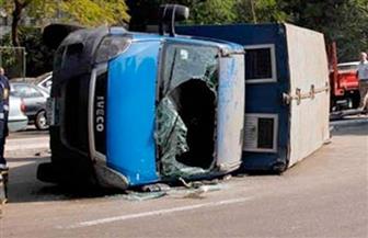 إصابة عقيد ومجند شرطة فى حادث تصادم بالطريق الصحراوي
