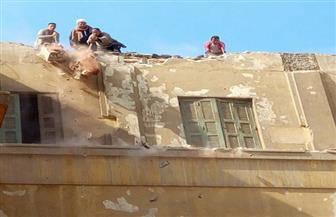 """حي عابدين: استكمال هدم دورين في فندق """"الكونتيننتال"""" ورفع إشغالات بشوارع رئيسية"""