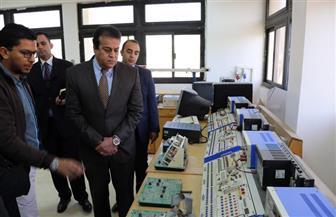وزير التعليم العالي يتفقد جامعة السويس   صور