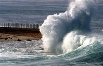 رئيس هيئة حماية الشواطئ: ارتفاع الأمواج وصل إلى مترين.. والأمور مستقرة على سواحل الجمهورية