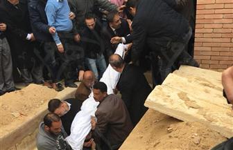 جثمان الكاتب الكبير إبراهيم نافع يواري الثرى | صور