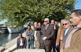 محافظ أسوان يتابع أعمال التكريك والتطوير للمجرى الملاحي أمام مرسى كوم أمبو | صور