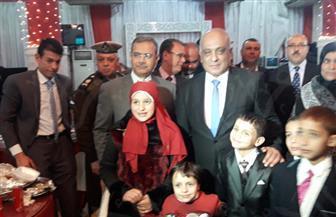 مساعد وزير الداخلية يكرم الضباط المتميزين وأسر الشهداء بالبحيرة | صور