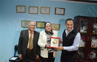 الليلة طارق علام يكرم فادية عبدالجواد أول طبيبة من الصم والبكم في برنامجه | صور