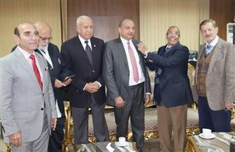 روتاري بني سويف يمنح العضوية الشرفية لرئيس الجامعة