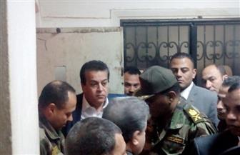 وزير التعليم العالي يتفقد موقع حادث سقوط مصعد مستشفى بنها الجامعي ويشدد على محاسبة المقصرين | صور