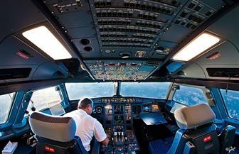 طياران يتركان قمرة  القيادة ويعرضان الركاب للخطر