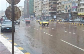 خلو شوارع الإسكندرية من المارة بسبب الطقس السيئ.. والمحافظة تحذر المواطنين | صور