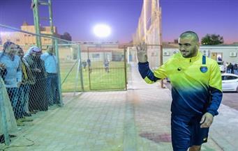 متعب يرتدي قميص شهداء الأهلي في التعاون السعودي