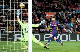 ميسي يعادل رقم مولر ويقود برشلونة لاجتياز ليفانتي بثلاثية في الدوري الإسباني