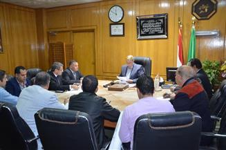محافظ الإسماعيلية يستعرض الموقف التنفيذي لتطوير المنطقة الحرة العامة الاستثمارية