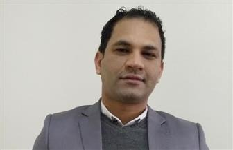 مؤسس مجلس شورى الشباب يحرر توكيلاً لترشيح السيسى للرئاسة بأسيوط | صور