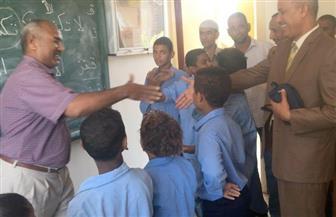 مدير تعليم الأقصر يكرم طلاب الصم والمكفوفين | صور