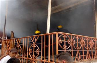 السيطرة على حريق بمحل ملابس قبل امتداده للعقارات المجاورة في شربين | صور