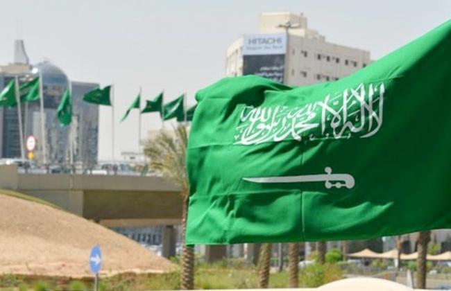 السعودية تمدد صلاحية تأشيرات الزيارة آليا حتى  سبتمبر
