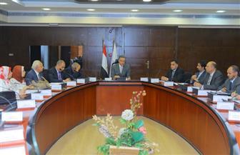 وزير النقل: سحب الأعمال من الشركات المتأخرة في تنفيذ تطوير المزلقانات   صور