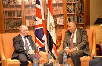 سامح شكري يستقبل وزير الدولة البريطاني لشئون الشرق الأوسط وشمال إفريقيا