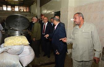 رئيس جامعة أسيوط يجرى جولة مفاجئة على المطعم المركزي |صور