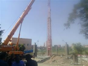 إزالة أعمال إنشاء برج محمول مخالف بدون ترخيص في أبوقرقاص بالمنيا