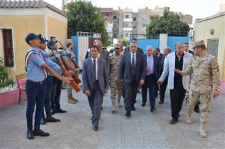 محافظ الإسماعيلية يشهد احتفالية مدرسة السادات الثانوية بالعيد القومي