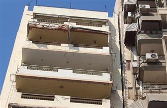 إخلاء 6 عقارات مائلة من السكان وسط الإسكندرية