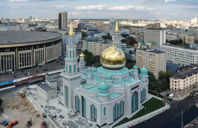 مسجد موسكو الكبير في روسيا الاتحادية