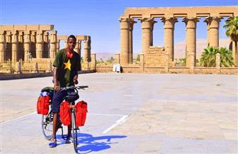 """""""سيسيه النوبي"""" يقطع 1400 كيلو متر بدراجة هوائية لدعم مرضى السرطان في الصعيد   صور"""