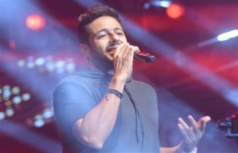محمد حماقى يغني من ألبومه الجديد في حفل الجامعة الكندية | صور