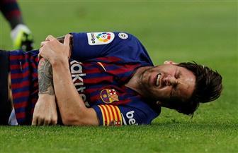 برشلونة يتقدم على إشبيلية بهدفين.. وميسي يخرج بداعي الإصابة في الشوط الأول | صور