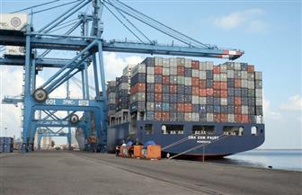 تداول 18 سفينة و322 شاحنة بضائع بموانئ البحرالأحمر