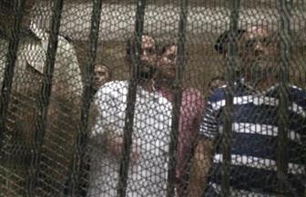 المتهم بقتل نجليه يصل لحضور أولى جلسات محاكمته في جنايات المنصورة