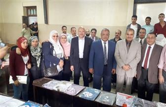 رئيس جامعة الأزهر يفتتح معرضا للملابس الجاهزة  لطلاب قطاع  الدراسة | صور