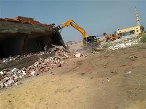حملة لإزالة التعديات على أملاك الدولة بمركز الرياض بكفر الشيخ | صور