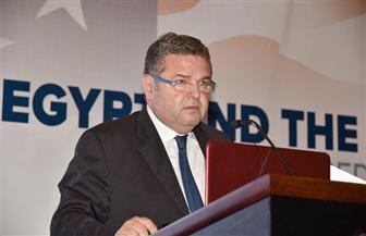 """وزير قطاع الأعمال العام يناقش مع """"وارنر"""" الخطوات التنفيذية لتطوير شركات الغزل والنسيج"""