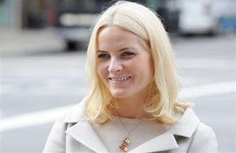 قرينة ولي عهد النرويج تعاني  مرضا مزمنا في الرئة